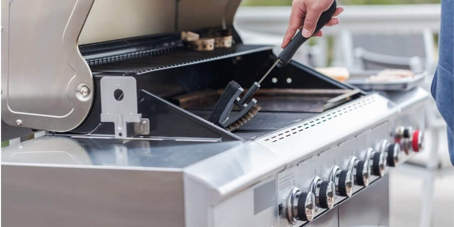 how do you clean outdoor kitchen grill insides
