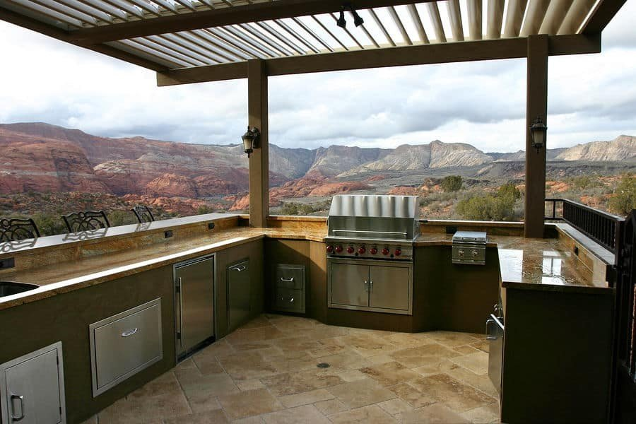 how to plan outdoor kitchen zones