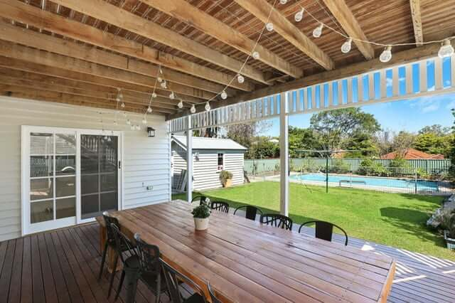 Simple outdoor kitchen dining area lighting ideas