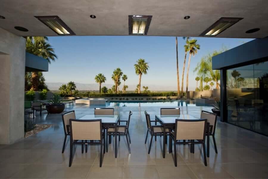 modern outdoor kitchen sitting area