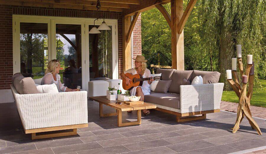 Modern outdoor kitchen sitting area lighting ideas