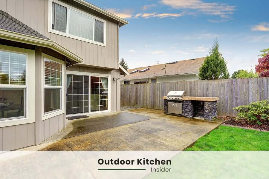 structure for outdoor kitchen in small spaces