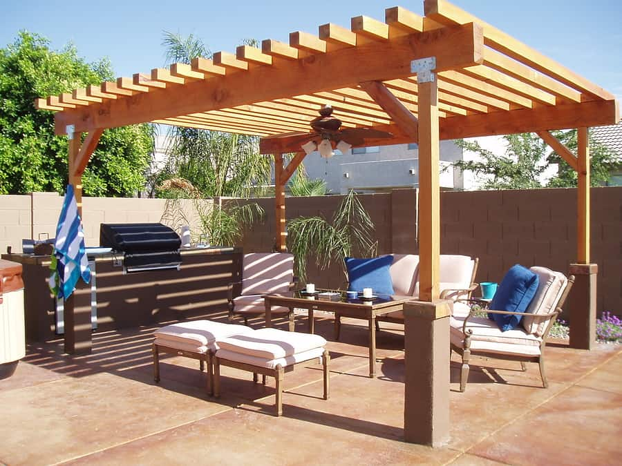 What does an outdoor kitchen with pergola cost?