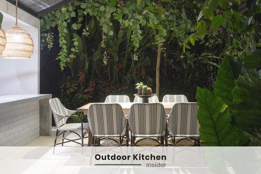 Outdoor kitchen lighting: A pendant fixture