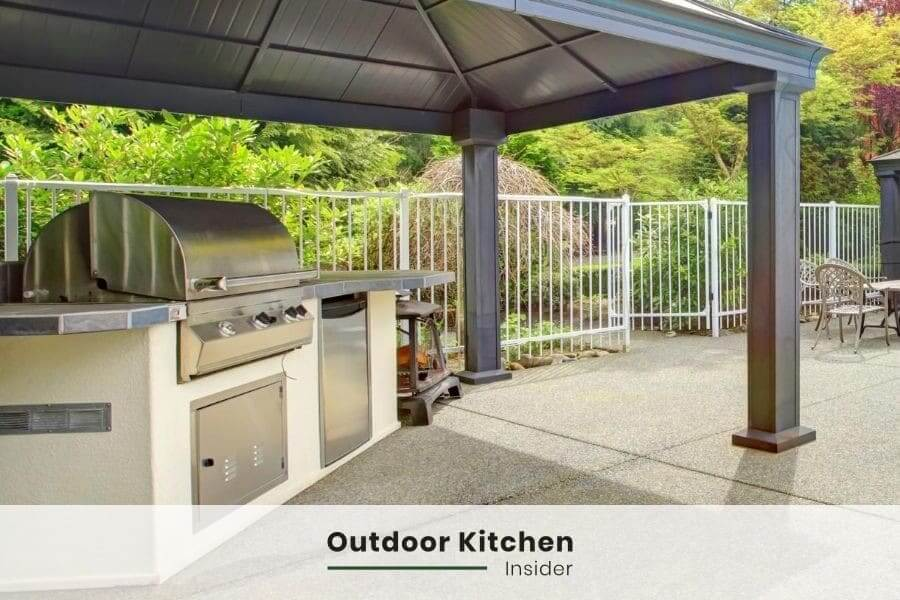 how to build an outdoor kitchen on a budget? choose a propane grill
