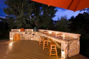 Outdoor Kitchen on a Deck: 20 Helpful Tips You Need to Know