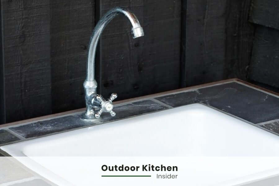 How to build an outdoor kitchen on a budget? save on sink installation