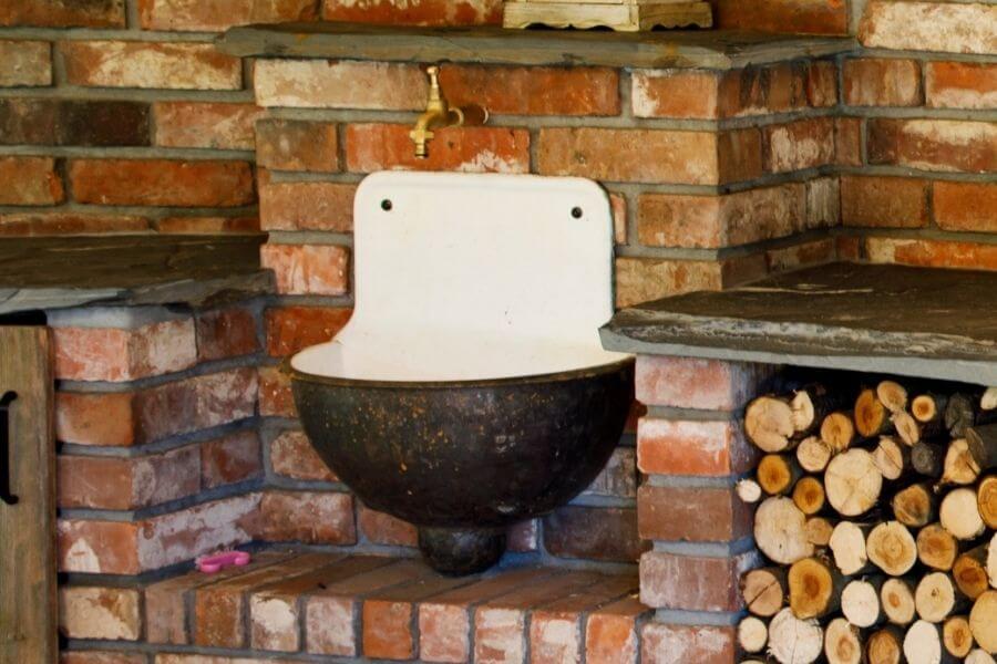 rustic outdoor sink ideas