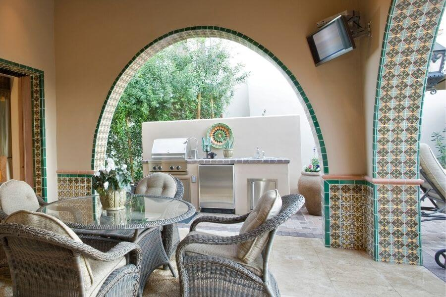 decor for a small outdoor kitchen