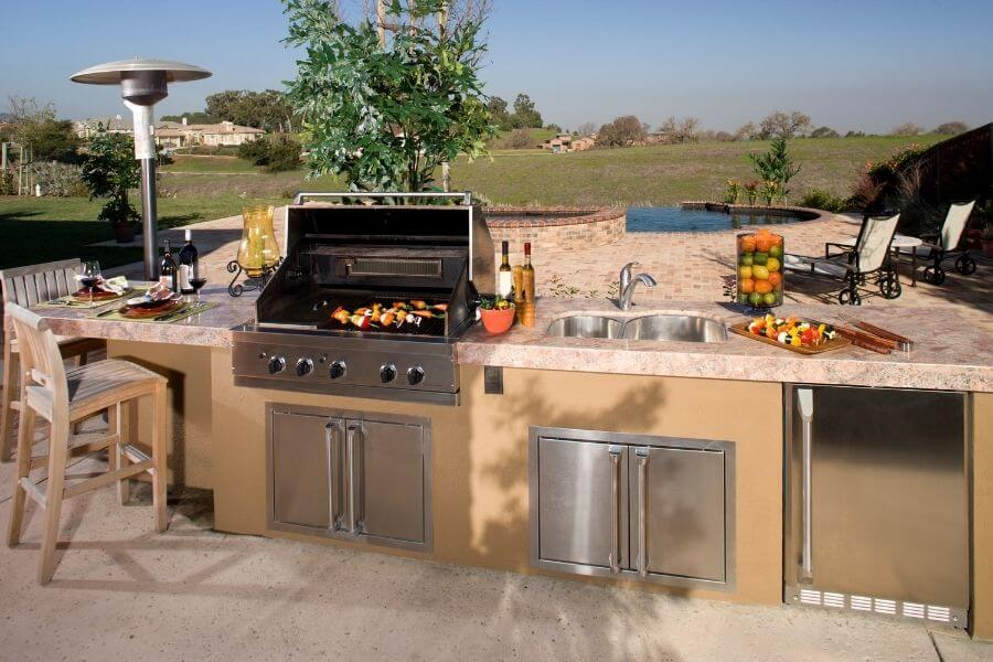 Small outdoor kitchen with heater