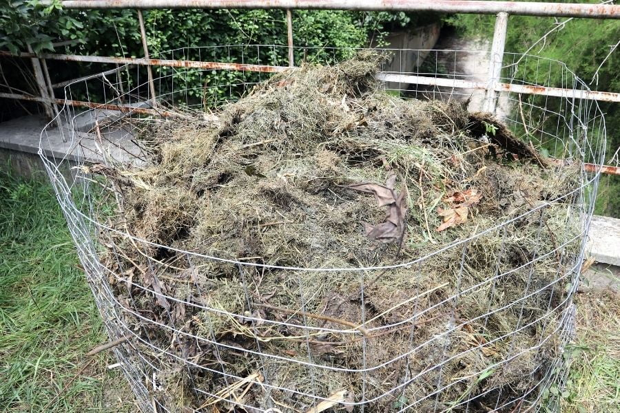 how to make a composter out of a wire