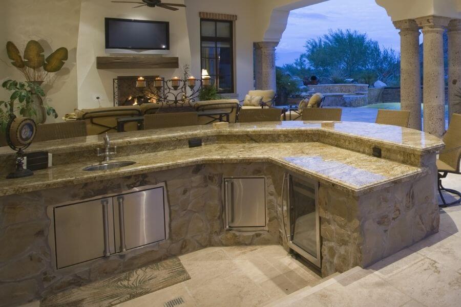 a sink-in outdoor kitchen bar