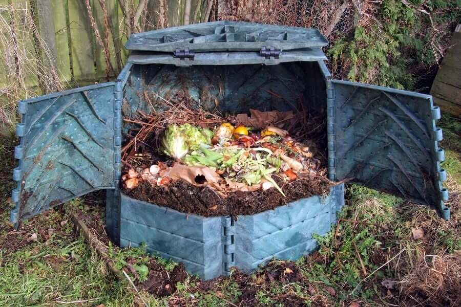 What is the best material for a compost bin