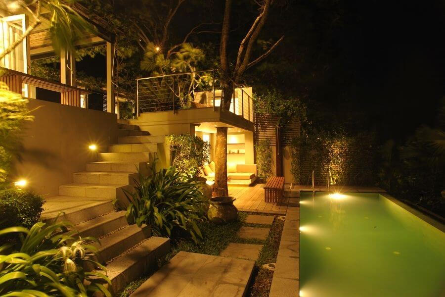 Outdoor lighting design. Types of pictures: ambient, task, accent