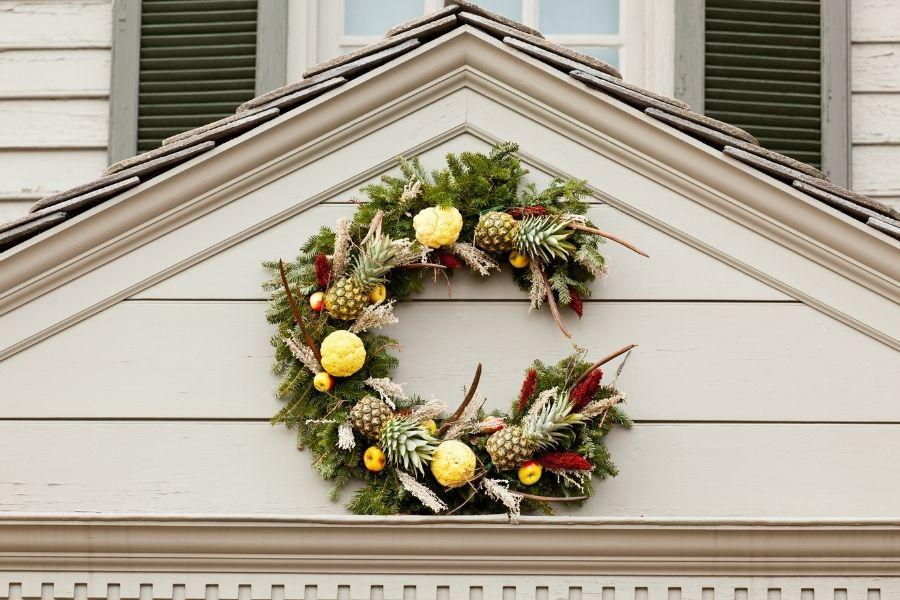 Ideas for Christmas Front Door Decorations  above the door decor pineapple