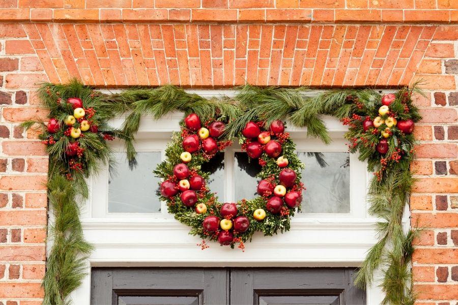 Ideas for Christmas Front Door Decorations  above the door decor